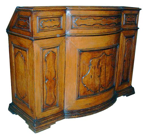 A Very Fine 17th Century Tuscan Walnut Bureau Milieu