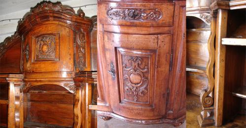 An 18th Century Italian Reggio Emilian Walnut Sideboard Credenza No. 3057