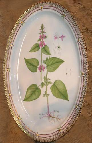 An Early 20th Century Large Flora Danica Oval Serving Platter