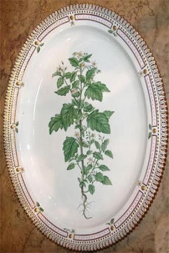 A Small Early 20th Century Flora Danica Serving Platter