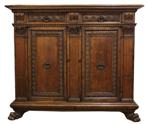 An Early 18th Century Tuscan Walnut Credenza No. 4337